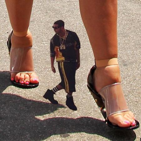 Drake_Internet_Meme_Feet