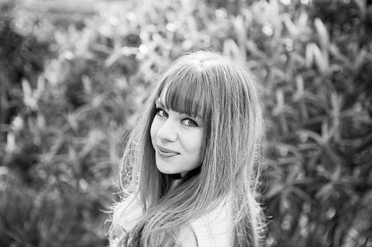 Laura Yates Chaud Mag